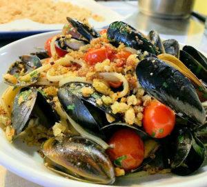 M+L mussels for fun alfresco